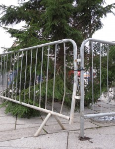 047h Xmas Tree Barrier