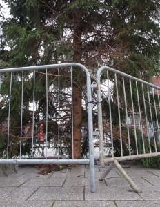 047j Xmas Tree Barrier